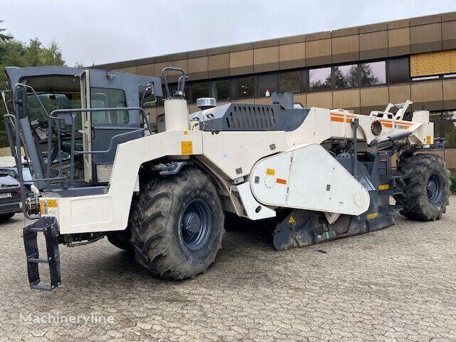 WIRTGEN WR 2000 asphalt milling machine