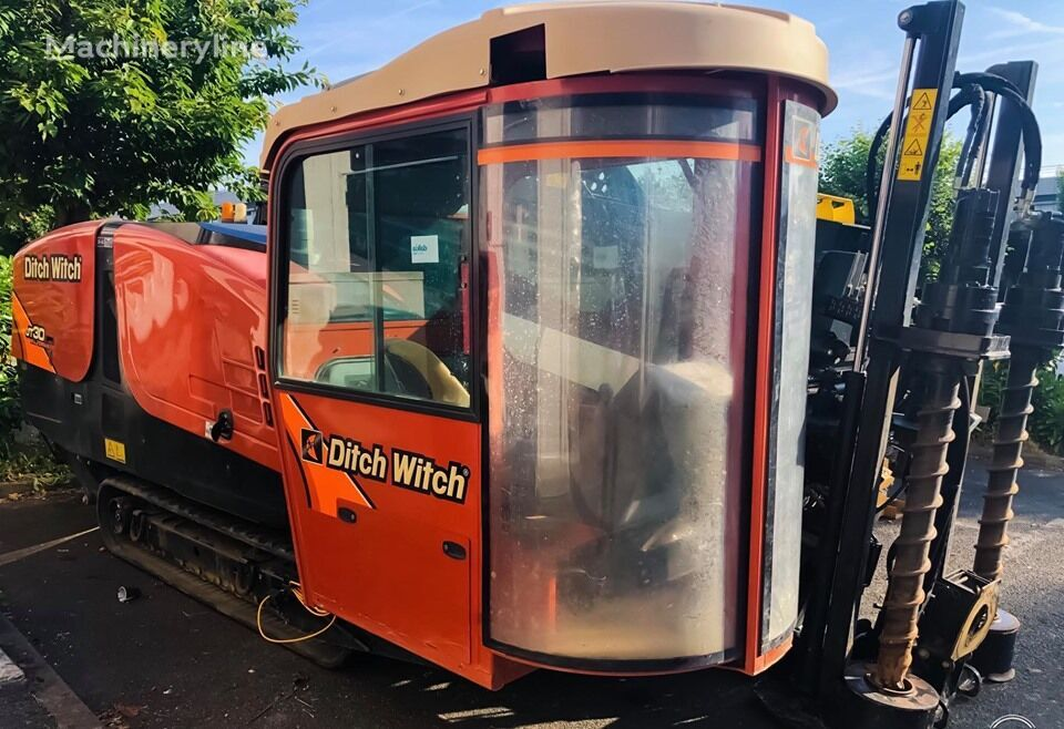 DITCH-WITCH JT30AT horizontal drilling rig