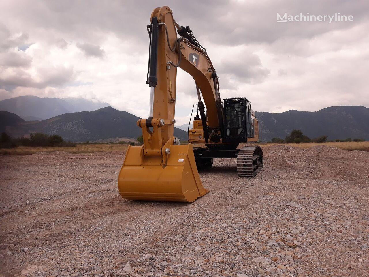 new CATERPILLAR 352F tracked excavator