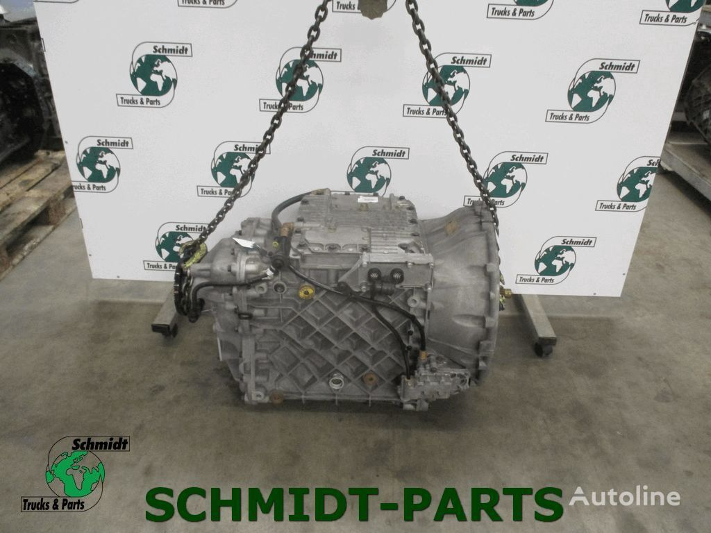 RENAULT AT 2412 D gearbox for tractor unit