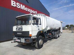 IVECO 330-30, 6x4, 26000 liter, JET A-1 fuel truck